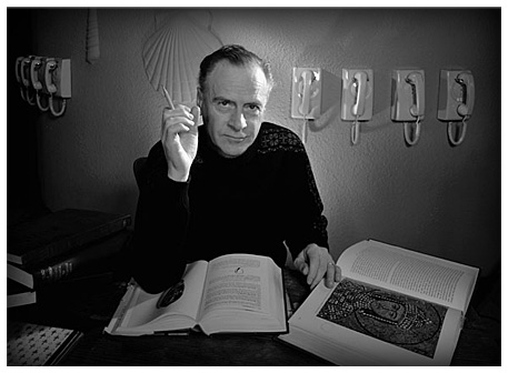 Studying Marshall McLuhan – A Conservative Catholic Who Was Absorbed Into Hyperspatial Ethical Complacence By Attention From ACamera?