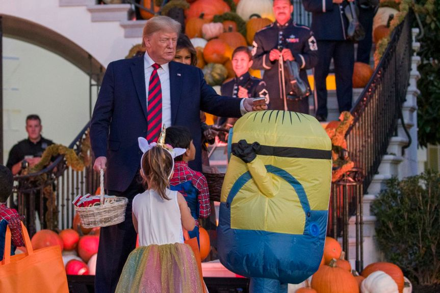 'Minion' Angry That President Put Chocolate Bar On His Head At Halloween Returns With Army of Children to Take Over TheCapitol